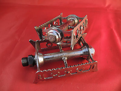 LYOTARD 36 CHROME RAT TRAP PEDALS - 1960`s - RENOVATED 14mm FRENCH PEDAL THREADS