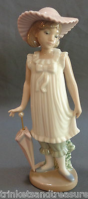 NAO Lladro Figurine Mint in Box Girl with Umbrella 1126