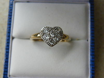 9ct Yellow Gold white stone heart shaped Ring size P 1/2 (50)