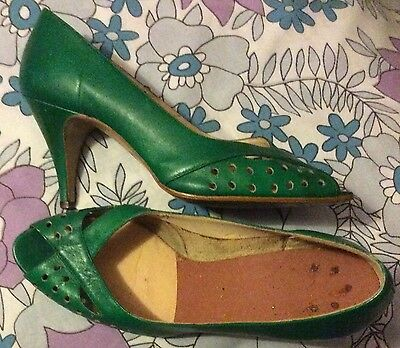 vintage 80s glam green leather peeptoe holepunched high stiletto heel shoes 5