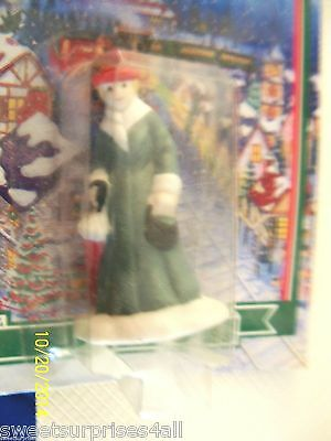 christmas winter valley figure figurine smalls details Lady in Green New