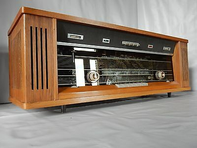 """Philips Reverbeo B7X44A radio  """"best of the Philips tube sound""""  and 108Mhz"""