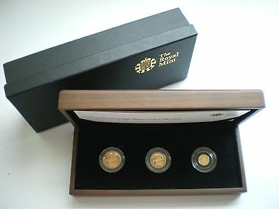 Royal Mint UK 2011 Gold Proof Sovereign 3 Coin Set.