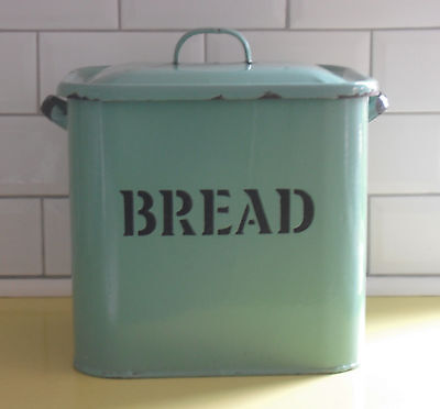 ORIGINAL VINTAGE 1930s / 40s LARGE ENAMEL BREAD BIN WITH EMBOSSED LETTERS & LID