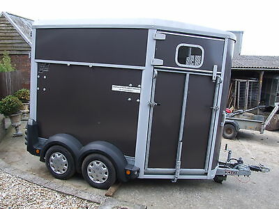 IFOR WILLIAMS 506 HORSE TRAILER GRAPHITE HOLDS 2x 16.2 HORSES, 2013 USED ONCE,