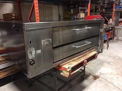Bakers Pride Y600 Pizza Oven