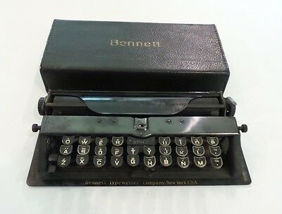 CUTE ANTIQUE BENNETT MIDGET TYPEWRITER, ORIGINAL LEATHER COVER, c. 1910-13