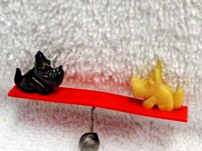 Scotty Scottie Dog Black And White Figurines On Red Plastic Tittertotter
