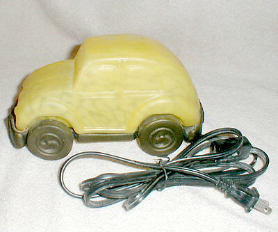 Yellow Volkswagon BEETLE BUG Party night Light Tiffany Style Glass LAMP used