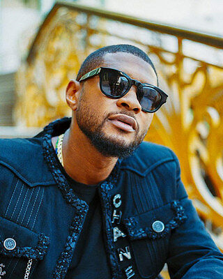 Usher unsigned 8x10 music photo 4