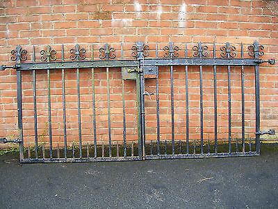 Antique Victorian Black Cast Iron  Driveway Gates  Farm Cottage Etc Reclaimed