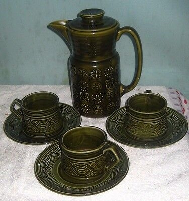OLD 60'S LORD NELSON POTTERY SAXONY FL8 COFFEE POT 22cm high  3 CUPS SAUCERS