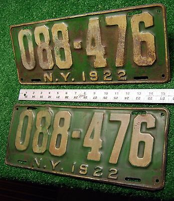 NEW YORK - 1922 Omnibus - TAXI license plates - matched set, all original