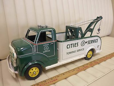 "1950s MARX ""Cities Service"" Wrecker Tow Truck Pressed Steel Toy Set"