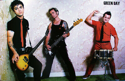 """GREEN DAY """"GROUP STANDING AGAINST WALL"""" POSTER FROM ASIA -U.S. Punk Rock Music"""
