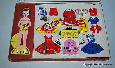 Betsy McCall's Fashion Shop Embroidery Set NEW OLD STOCK 1959 RARE Paper Dolls!