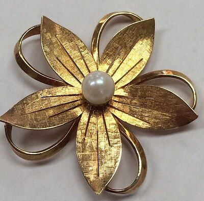 Large VINTAGE 14K Yellow Gold Flower Pin Brooch w/Pearl Accent 8 Grams STUNNING!