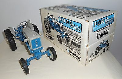 1/12 Hubley Ford 4000 Vintage Toy Tractor Wide Front W/Box