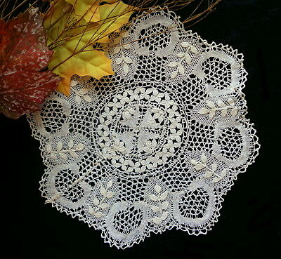 "Antique Handmade MALTESE Honey SIlk Lace Doily - 7.5"" Clean, No Damage"