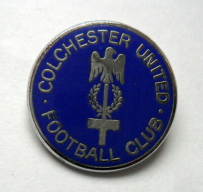 COLCHESTER UNITED 1980s METAL FOOTBALL PIN BADGE
