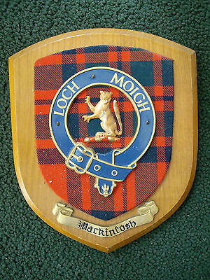 CLAN CREST BADGE OF MacKINTOSH WOOD WALL PLAQUE: MADE IN SCOTLAND: LOGO / MASCOT