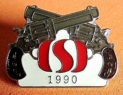 SAFEWAY pin 1990 crossed colts vintage pin