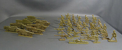 1960 Russian Red Army Plastic Soldiers Set Tank Armored Vehicles Infantry Toy