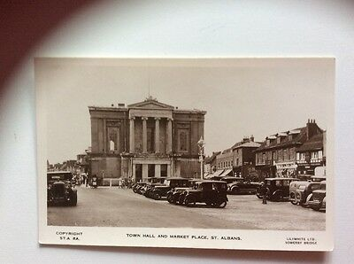 Town Hall And Market Place  St Albans Hertfordshire  RP Postcard