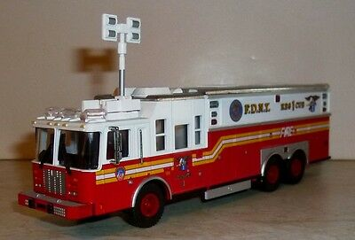 Feuerwehr Code 3 F.D.N.Y. RES 1 CUE Service 1. Fire Department City of New York
