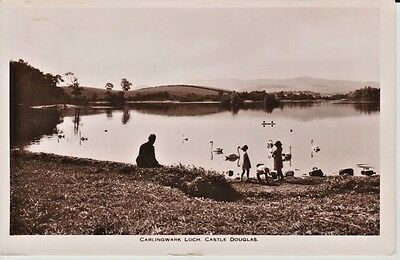 RP 1939 CARLINGWARK LOCH Castle Douglas - man with children looking at swans