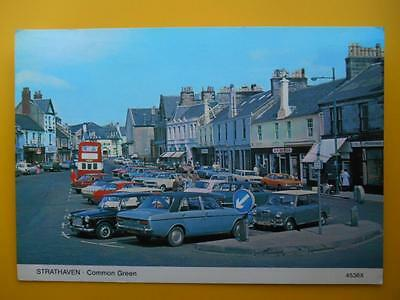 Common Green STRATHAVEN Nr Hamilton Lanarkshire 1978 Old Cars Bus Shops