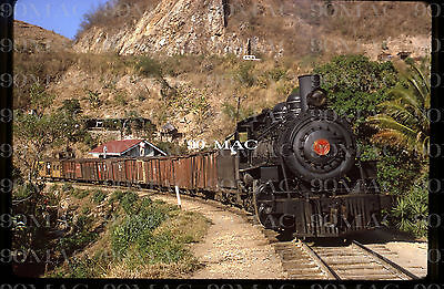 FEGUA (Guatemala)           STEAM LOCOMOTIVE #180        ORIGINAL SLIDE