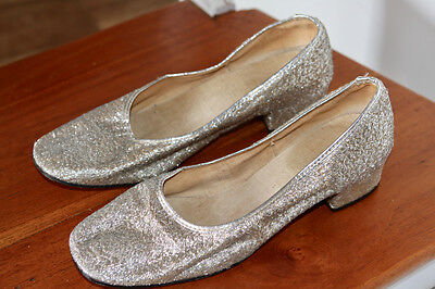 SPARKLY VINTAGE SILVER METALLIC WOVEN LEATHER LADIES HEELED SHOES Size 7