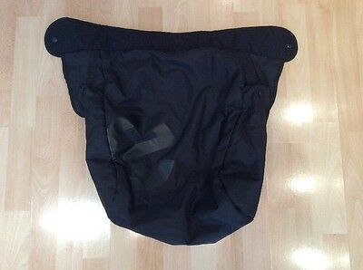BABYSTYLE OYSTER 1 2 Black Apron Footmuff Cover