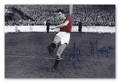 • HAND SIGNED 6x4 PHOTO MANCHESTER UNITED 1957 KEN MORGANS