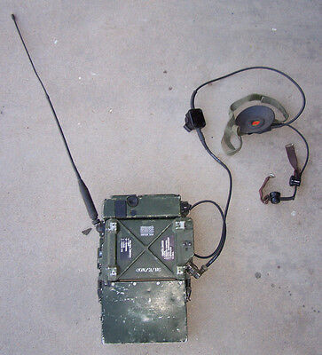Clansman RT-351 RADIO w/Headset, Throat Microphone, Antenna & 24 Volt Battery