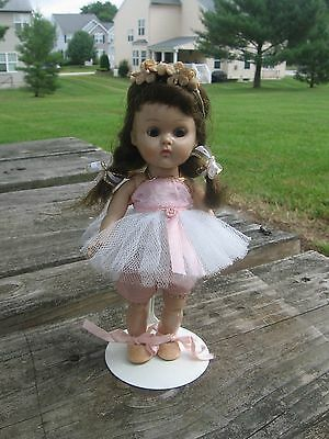Ginny Vogue Doll BKW Molded Lash Tagged Outfit