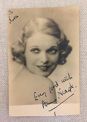 OLD PHOTOGRAPHIC SIGNED POSTCARD ANNA NEAGLE BRITISH ACTRESS 1930s 40s PERIOD