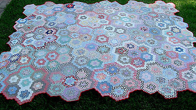 "Unique Grandmothers Flower Garden all hand quilted quilt, ca 1930, 87"" x 75"" *"