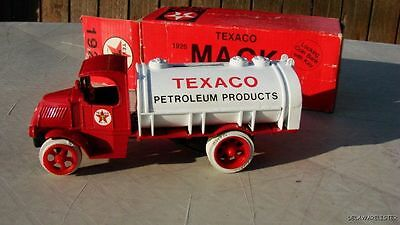 TEXACO 1926 MACK TANKER #2 SERIES Diecast Toy 1985 MINT WITH BOX
