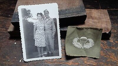 WWII vintage Airborne Command veterans picture & OD embr. parachute wings