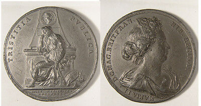 Large lead Medal of William III, issued in 1694 to commemorate the death of Mary