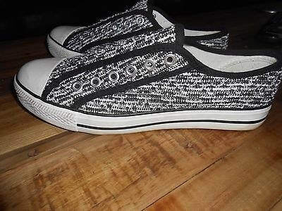 New Look Slip On Canvas Pumps Size 5 Black White Sparkle