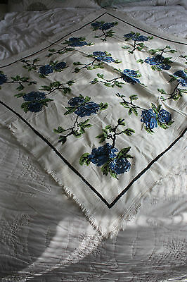 Stunning Vintage Retro Colourful Floral Rose Design Tablecloth