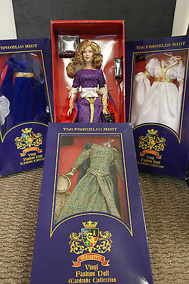 Franklin Mint Guinevere Vinyl Portrait Doll Collection Lot W 3 Rare Ensembles