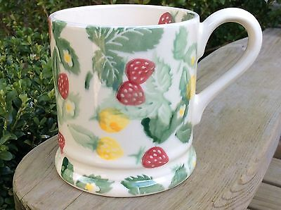 EMMA BRIDGEWATER rare Wild Strawberries . 1/2 pint MUG . spongeware