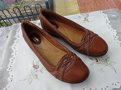 Clarks Artisan Tan Leather Shoes Size 4.5