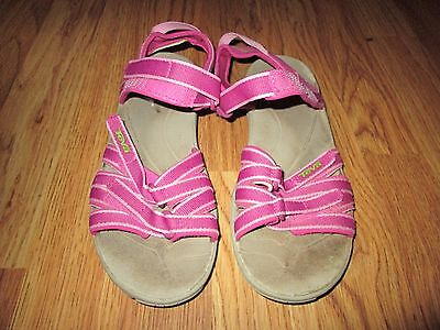 Girls TEVA strappy sandals shoes sz 4 pink