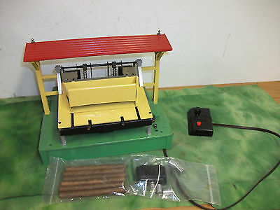 Lionel   O Scale   Lumber Shed Working  Log Loader  w/Controller  #164  Lot # RO