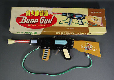 1960's RED CHINA TIN TOY SPACE RAY BURP MACHINE GUN FRICTION MINT BOX MF MS 602